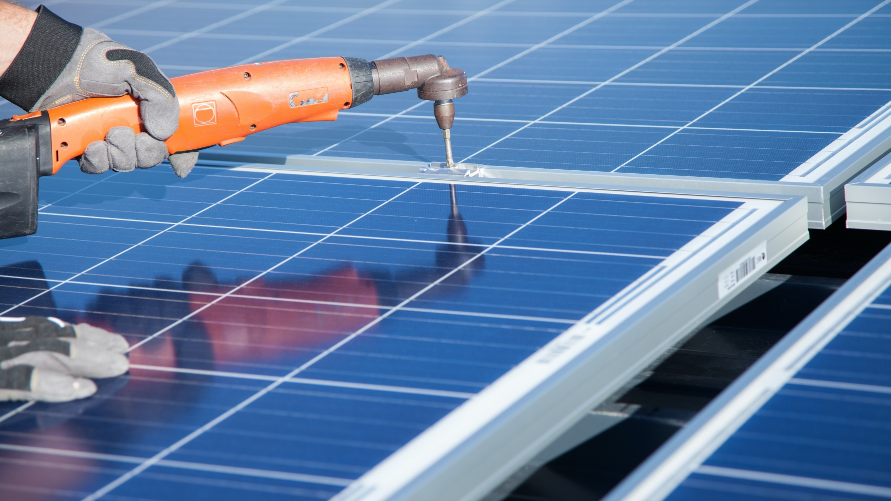 Elite Enterprise Group - Solar. Residential, commercial and agricultural solar systems. Installing solar systems can eliminate your energy bills. Request a free quote now.